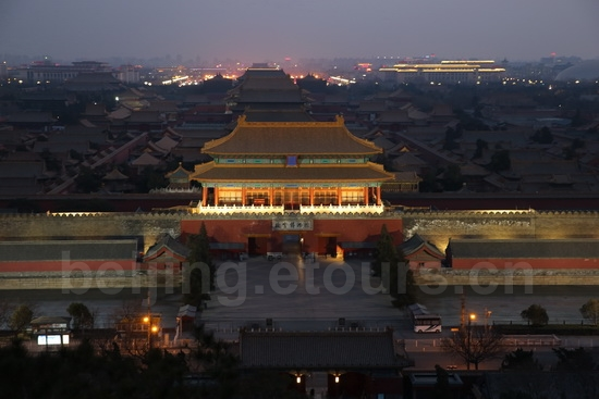 The nighgt view of Forbidden City seen from Jingshan Hill.2jpg